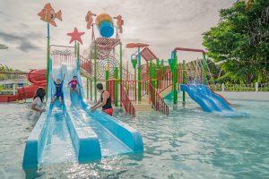 palawan-waterpark_tumbling-buckets-kidzone3